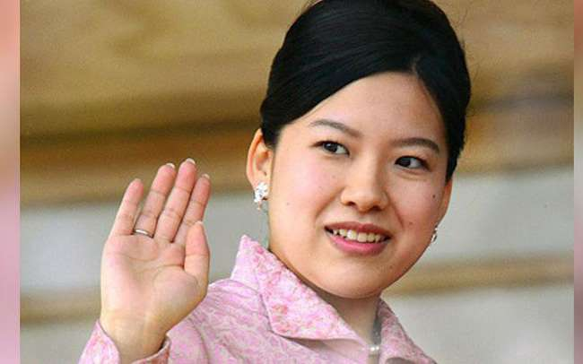 Công chúa Nhật Bản lấy nhân viên giao hàng, rời khỏi Hoàng tộc - 498