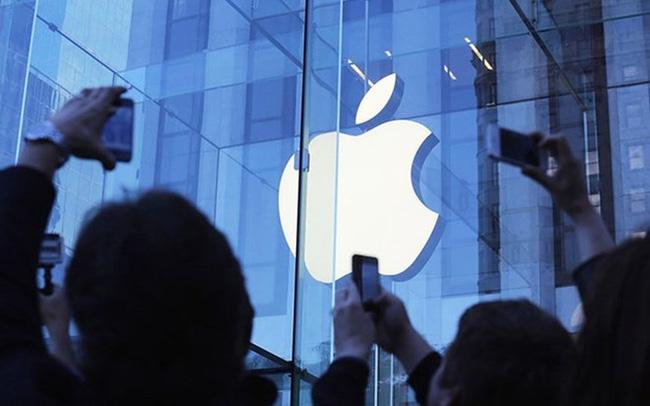 Apple chạm cột mốc 1.000 tỷ USD giá trị vốn hóa
