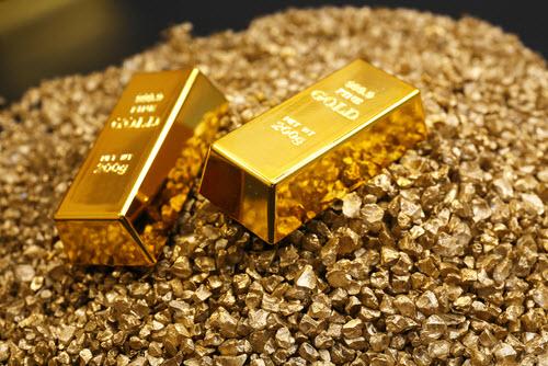 Vàng tăng vọt từ 40 USD lên đến 1720 USDounce