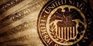 Giá vàng tăng tốc đột ngột trước phát biểu của Powell