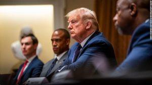 Hai động thái tuyệt vời của Trump đã gây tiếng vang dư luận toàn cầu!