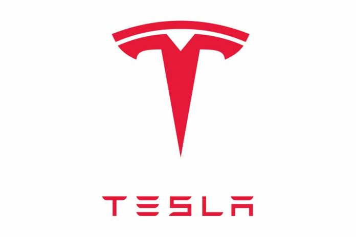 Doanh thu khả quan quý IV của Tesla