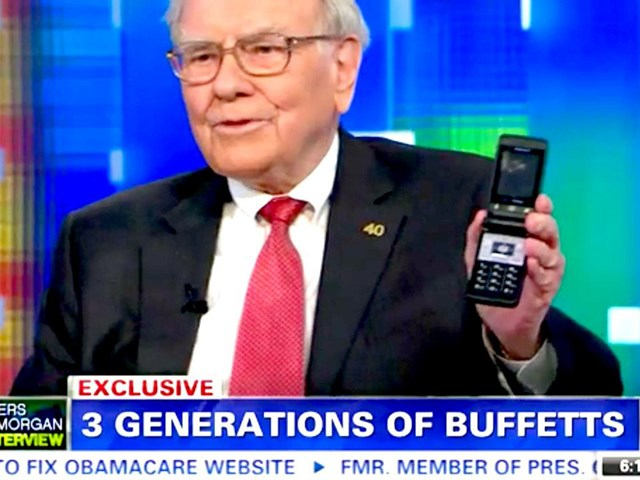 """Warren Buffett - Vị tỷ phú """"nghiện"""" Cocacola, thích dùng phiếu giảm giá - Ảnh 1"""
