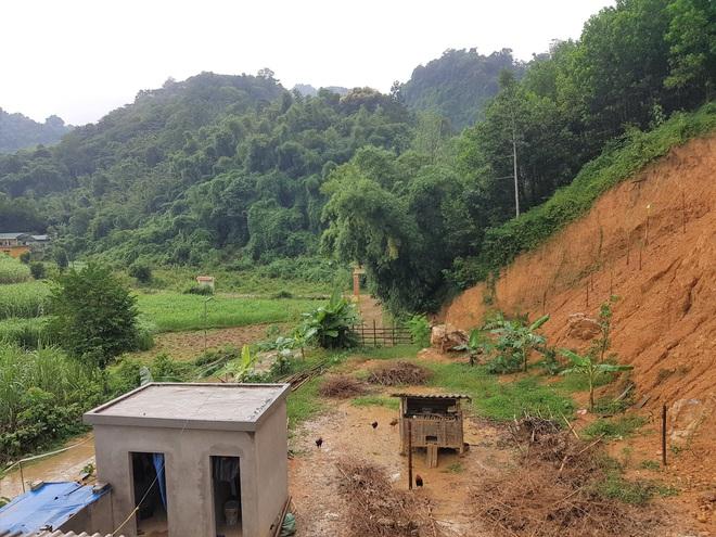 Đồi Vó Nước nứt toác vì mưa lớn, Ninh Bình di dời khẩn cấp nhiều hộ dân - 7