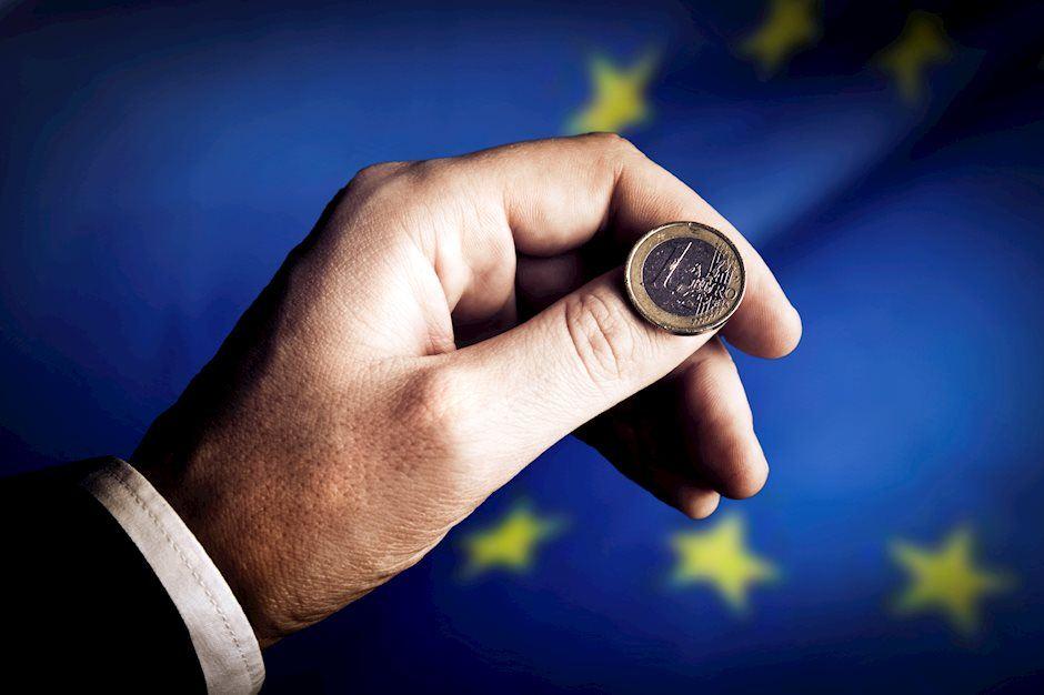 Chỉ số PMI sản xuất ước tính của Eurozone đạt mức 55,5 cho tháng 12;  EUR/USD vượt qua mốc 1,2200 - Diễn đàn VNForex - Học viện Forex hàng đầu VN