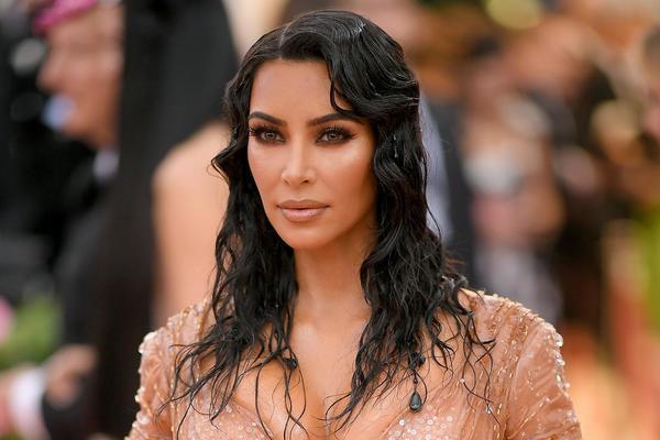 Kim Kardashian gia nhập câu lạc bộ tỷ phú đô la - VietNamNet