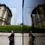 NHTW Nhật Bản giữ chính sách ổn định, triển vọng ảm đạm về xuất khẩu và sản lượng