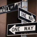 Phố Wall mở cửa cao hơn sau khi dữ liệu trợ cấp thất nghiệp được công bố; Dow tăng 420 điểm