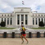 Fed có thể sẽ điều chỉnh việc mua tài sản để hỗ trợ phục hồi