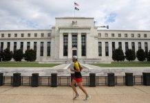 Fed giữ lãi suất ổn định, nhấn mạnh sự hỗ trợ trong bối cảnh gia tăng Covid-19