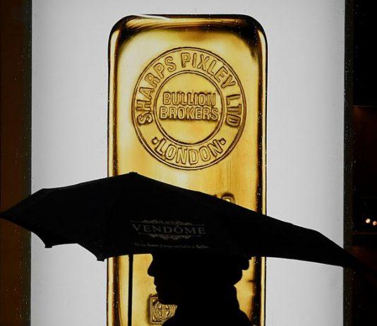Giá vàng suy giảm, gần mức thấp nhất 2 tuần khi đồng Đô la tăng