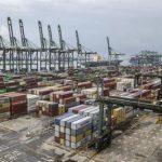 Xuất khẩu Trung Quốc tăng lên kỷ lục nhờ đơn hàng từ Mỹ và châu Âu