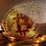 Bitcoin có lúc sụt 17% vể 43,000 USD