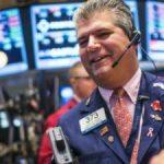 Phục hồi hơn 300 điểm, Dow Jones đứt mạch 4 phiên giảm liên tiếp