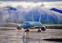 Vietnam Airlines xin được đặc cách duy trì niêm yết trên sàn HoSE