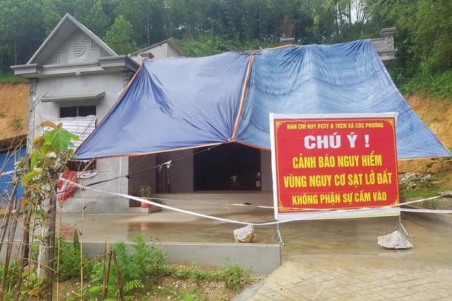 Đồi Vó Nước nứt toác vì mưa lớn, Ninh Bình di dời khẩn cấp nhiều hộ dân - 2