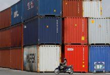 Ảnh hưởng COVID, giá container tiếp tục tăng vọt